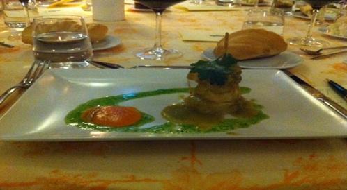 Patata a la importancia con escabechada de cilantro